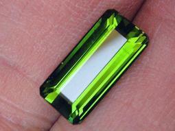 3.82cts天然無燒VVS長方形綠色碧璽(電氣石)-Tourmaline
