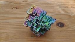 鉍晶體 Bismuth Crystals