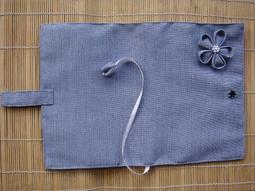 *惠惠手作坊*量身訂做專屬布書衣.布書套.手工縫製花朵.獨一無二.採用日本鈕釦.