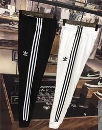 Adidas 三葉草 愛迪達 黑/白 三條杠 束腳褲子 學生褲 運動長褲 男女情侶款 正韓長褲 街頭潮
