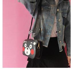 可愛熊本熊斜背包單肩包側背包背包